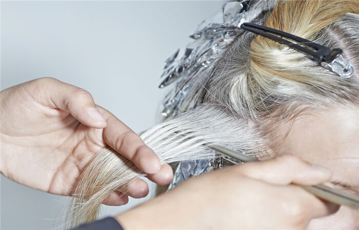 Organize Your Hair For Applying