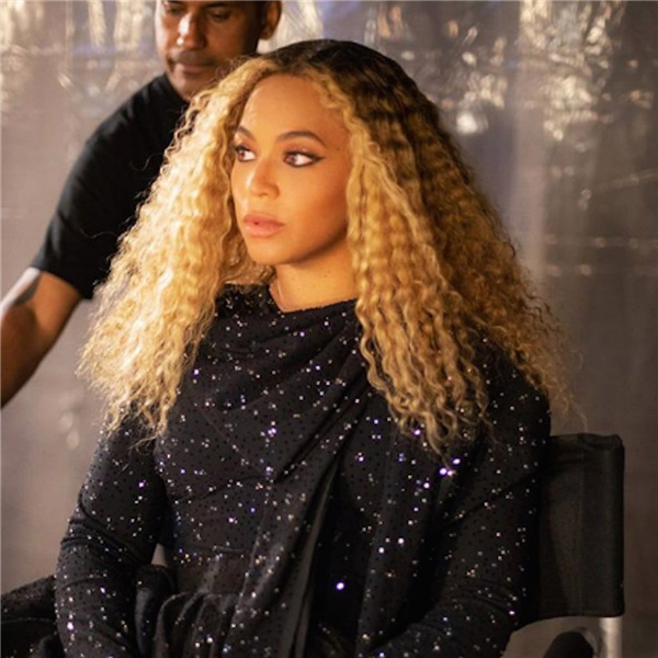 Beyonce curly hair