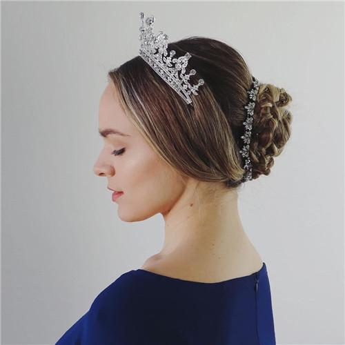 Queen Victoria Halloween hairstyle