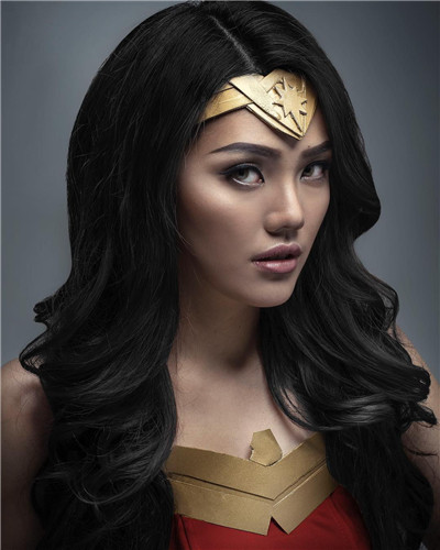 This Wonder Woman Halloween hairstyle