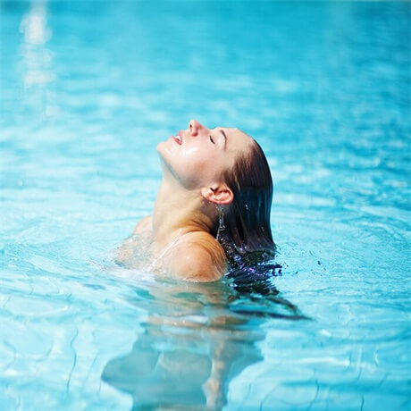 chlorine-damages-your-natural-hair