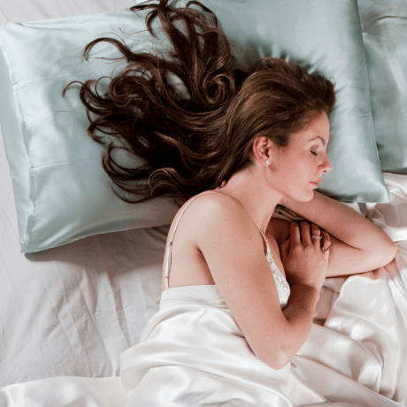 do-not-sleep-with-your-hair-tied-up