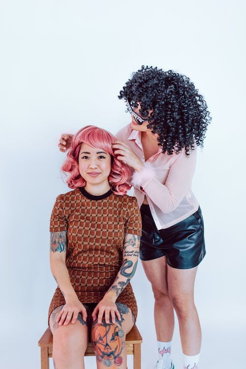 What is the easiest wig to wear?