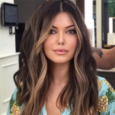 face-framing-highlights-on-brown-hair