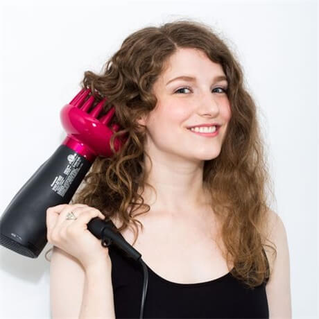 use-a-diffuser-on-curly-hair